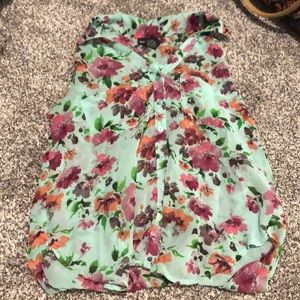Wet Seal floral top Small